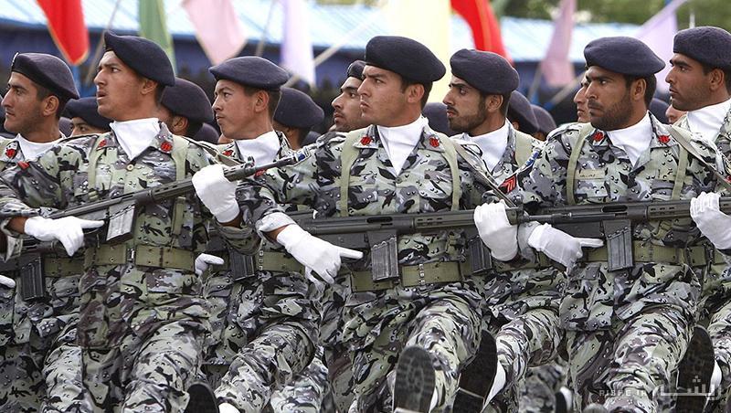 رژه نیروهای مسلح در بندرعباس و تهران